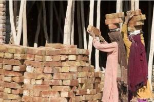 Жінка будівельник в Індії - Фото 1