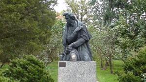 Пам'ятник Фридерику Шопену в садибі-музеї Желязова Воля