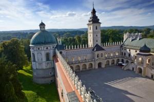 Стіни Красичинського замку