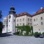 Замок Пєскова Скала