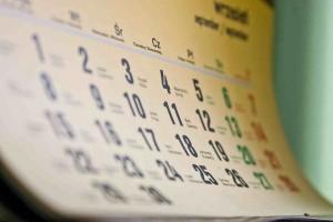 Перелік вихідних та святкових днів у 2013 році