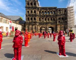 Червоні у місті - німці в подиві, туристи в захваті!