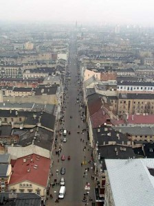 Вулиця Пьотрковська у Лодзі