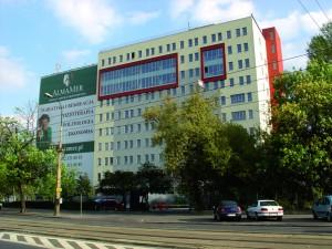 Університет економіки ALMAMER
