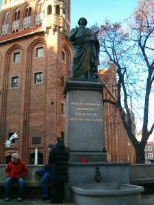Пам'ятник Миколі Коперніку у Торуні