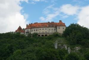 Замок в Пшегожалах. Вольський ліс