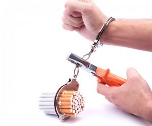 Поляки кидають палити