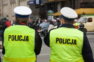 Зарплата поліції і військових у Польщі та Литві