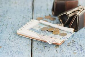 У кого найнижча зарплата в Польщі